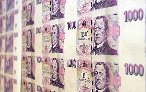 Каждый чех должен более четверти миллиона крон