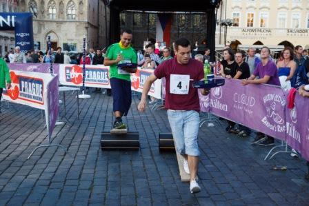 Забег барменов в Праге