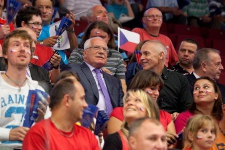 Вацлав Клаус болеет за чешскую сборную