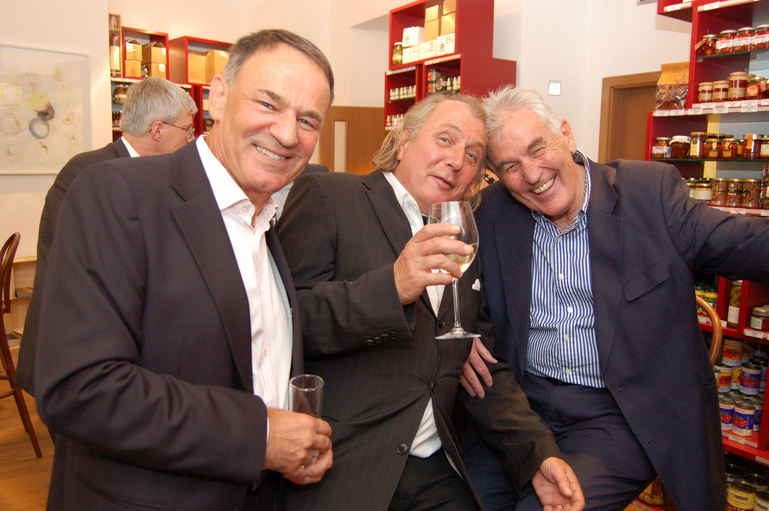 Авторы проекта Франк Ганецак и Иван Хадима с художником Кристианом Кодетем