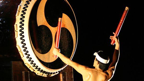 Традиционный японский барабан тайко