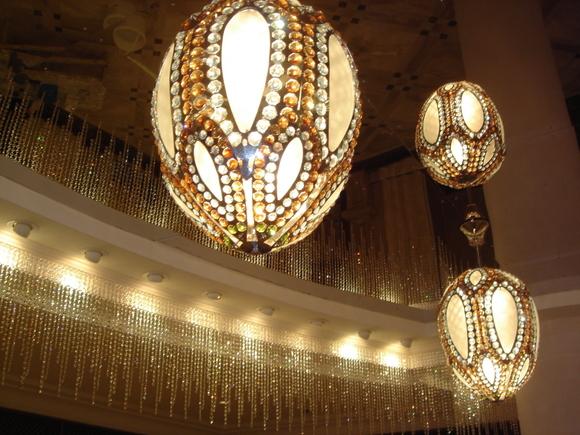 Хрустальные люстры чешского производства в Большом театре