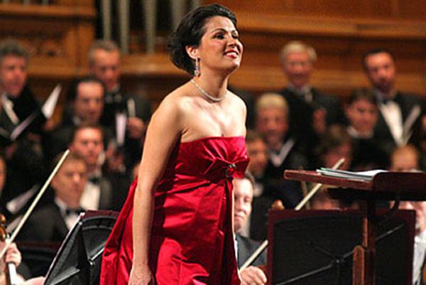 Нетребко споёт на сцене Муниципального дворца