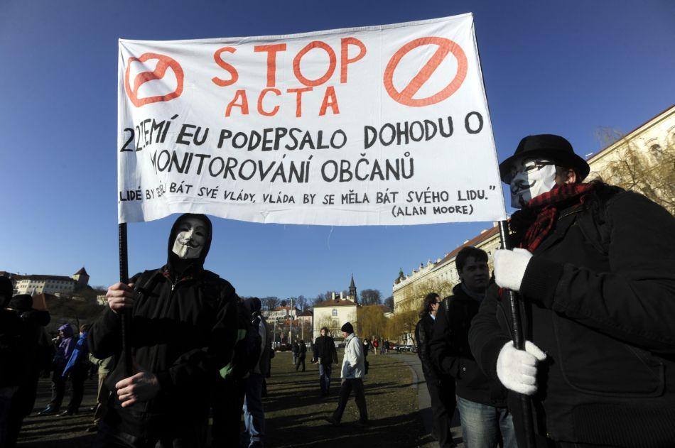 Акция протеста собрала около 400 человек