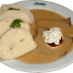 Половина чехов не обедают в ресторанах