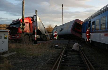 При аварии шесть пассажиров поезда были ранены