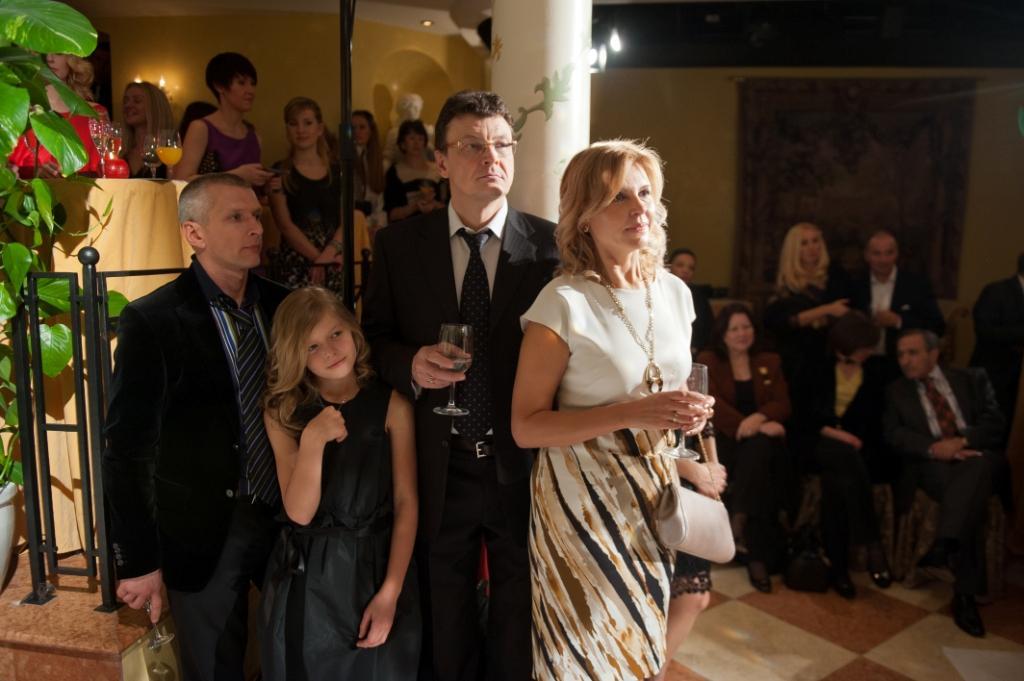 Петрос Пападопулос с дочерью Ники, Светлана и Игорь Литовкины - партнёры Escada