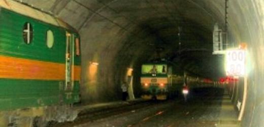 В Праге два поезда чуть не столкнулись в тоннеле