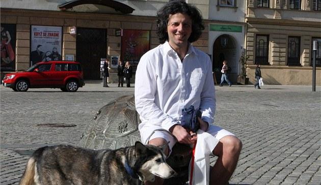 Итальянец уже 11 лет путешествует пешком