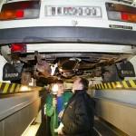 Старые автомобили проверит полиция (фото MF Dnes)