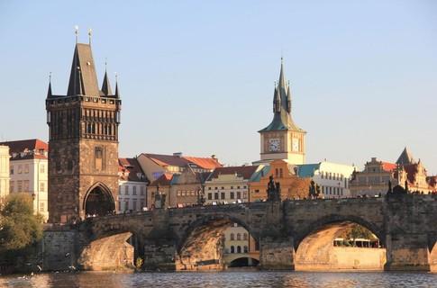 Чехия лишила аккредитации 9 украинских турфирм