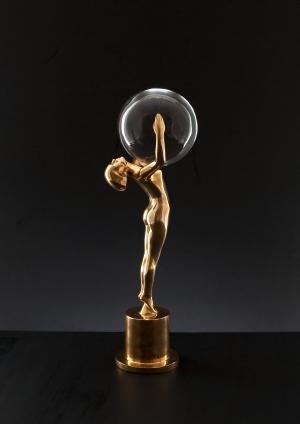 Главная премия кинофестиваля - Хрустальный глобус