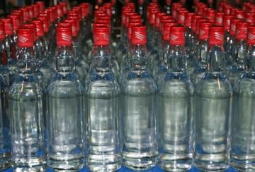 Четыре человека стали жертвами некачественного алкоголя