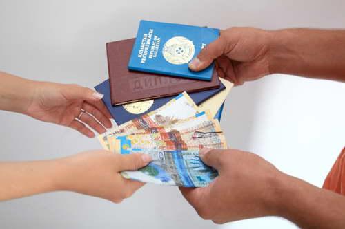 Продавцы поддельных документов получат срок - 10 лет лишения свободы