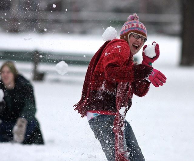 весёлая игра в снежки закончилась трагично