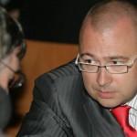 Экс-министр обороны вымогал взятку в 5 млн долларов