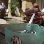 В Чехии курит треть населения