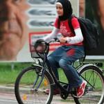 Ехали леди на велосипеде