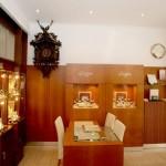 Грабители украли часы на общую сумму 7 млн крон