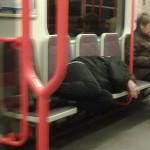 Бездомные не должны ночевать в транспорте