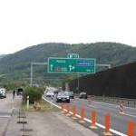 Водитель спровоцировал аварию и ранил трех полицейских