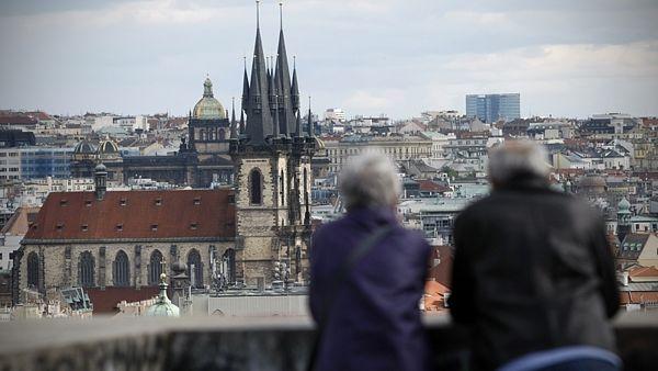 Россияне и украинцы отказываются от поездок в Прагу