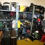 Вещи из бюро находок оценили в 93 тыс. крон