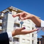 На ипотеку уходит треть доходов чешской семьи
