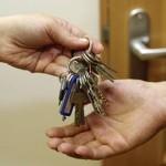 Перед покупкой квартиры лучше проконсультроваться с юристом