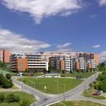 Число строящихся и сданных в эксплуатацию квартир растет