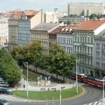 Сахарный дворец расположен на Сеноважной площади в центре Праги
