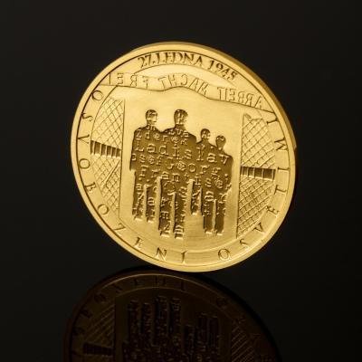 Чешский монетный двор выпустил золотую монету к 70-летию  освобождения Освенцима Красной армией