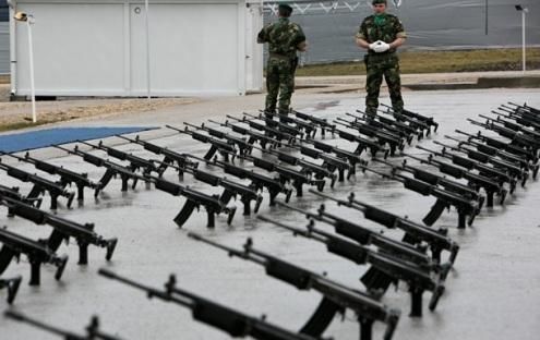 Поставка оружия на Украину