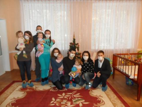 В детском доме с подарками