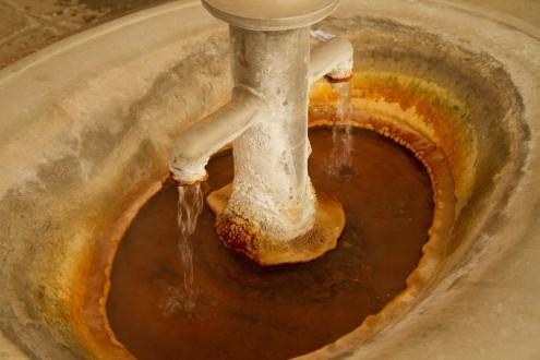 Источник минеральной воды