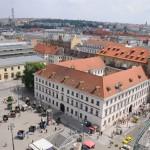 Монастырь на площади Республики