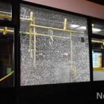 Разбитое окно в автобусе