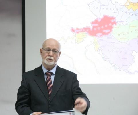 Профессор Эмил Ворачек