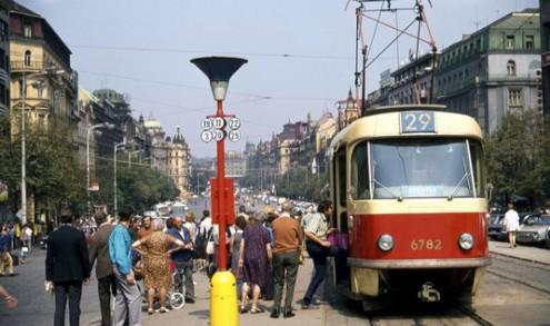 2-19_Vaclavske_namesti_1972