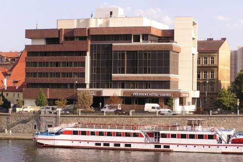 hotel-president-vltava-river-002-1500x1000