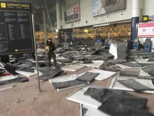 В аэропорту и метро Брюсселя прогремели взрывы