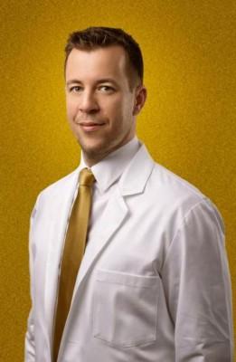 MUDr. Ян Пилка (Ján Pilka) Пластический хирург и владелец клиники «Aesthevita, estetic medicine»