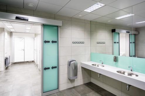 DPP - nové toalety ve stanici metra Můstek