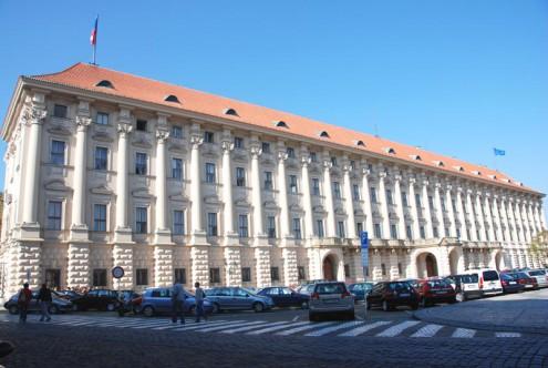 МИД Чехии отказал в аккредитации российским журналистам