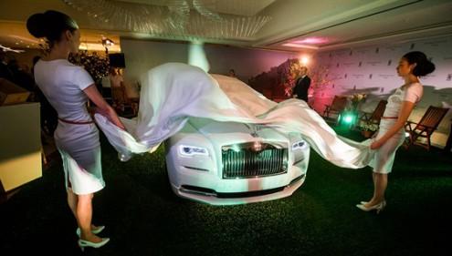 В Праге открылся первый официальный автосалон Rolls-Royce
