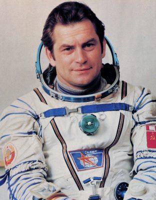 Владимир Ковалёнок: «В космосе ещё много нерешённых задач!»