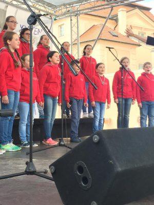 Деткий хор в Праге