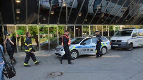 Полиция задержала анонима, сообщившего о бомбах в разных местах Чехии
