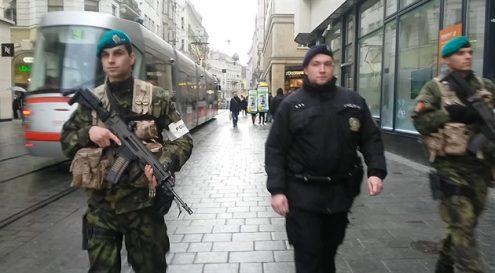 С июня улицы Праги будут патрулировать только полицейские