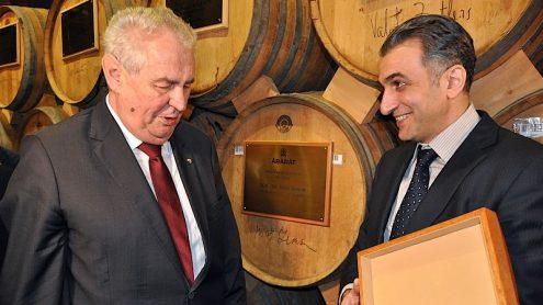 Милош Земан посетил Ереванский коньячный завод